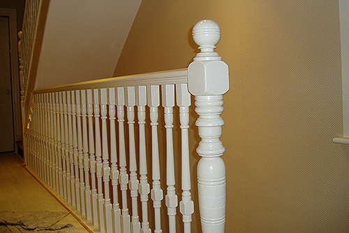 Bannisters and spindles brought out in a high-gloss finish